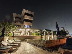 乃恩夏洛特海濱酒店(Nern Chalet Beachfront Hotel)