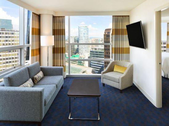 温哥華喜來登華爾中心酒店(Sheraton Vancouver Wall Centre)俱樂部套房