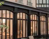 巴黎華樂大酒店