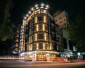 拉瓦亞精品酒店