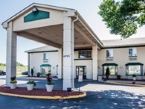 德梅因品質套房酒店(Quality Inn Suites Hotel des Moines)