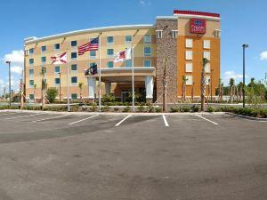 展覽會場舒適套房酒店 - 坦帕賭場(Comfort Suites at Fairgrounds - Casino Tampa)