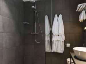 里維瑞斯酒店(Livris Hotel)