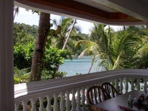 波爾多·格尼拉藍水晶海灘度假村(Blue Crystal Beach Resort Puerto Galera)