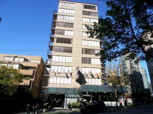 羅布森温哥華市中心裏維埃拉酒店