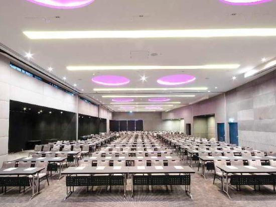 曼谷素坤逸假日酒店(Holiday Inn Bangkok Sukhumvit)會議室