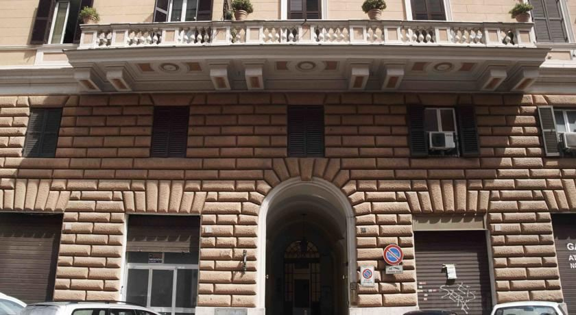 Mister House - Roma San Pietro, Hotel reviews and Room rates