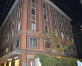 本蒂沃利奧家庭旅館