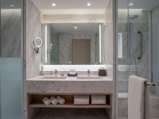 華欣希爾頓温泉度假酒店(Hilton Hua Hin Resort & Spa)海景尊貴客房