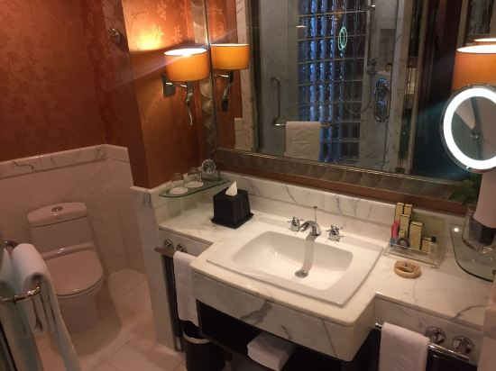 曼谷香格里拉酒店(Shangri-La Hotel Bangkok)香格里拉樓地平線俱樂部房