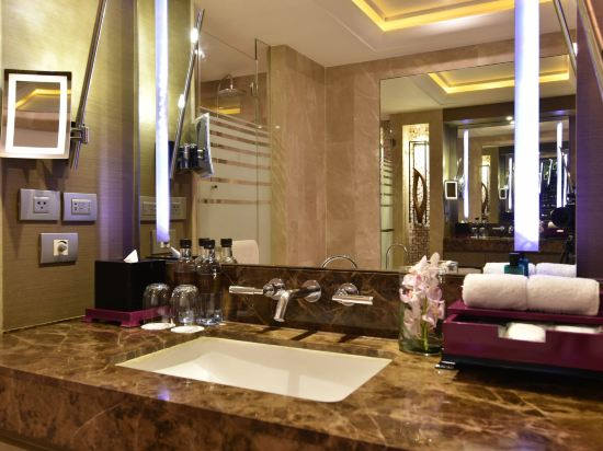 索菲特曼谷素坤逸酒店(Sofitel Bangkok Sukhumvit)奢華房