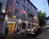 斯特恩羅曼帝克酒店