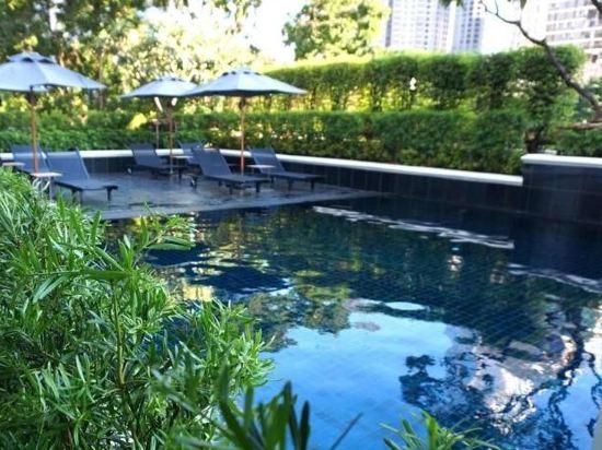隆齊中間點大酒店(Grande Centre Point Hotel Ploenchit)室外游泳池