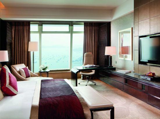 香港麗思卡爾頓酒店(The Ritz-Carlton Hong Kong)行政特級豪華海景客房