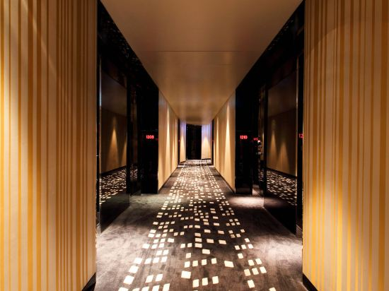 W曼谷酒店(W Bangkok Hotel)一室套房