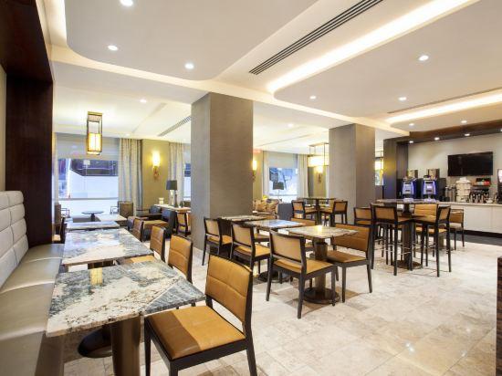 紐約市中心希爾頓酒店(New York Hilton Midtown)酒吧