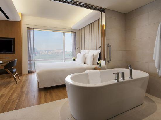 香港萬麗海景酒店(Renaissance Harbour View Hotel Hong Kong)標準海景套房