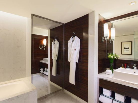 香港天際萬豪酒店(Hong Kong SkyCity Marriott Hotel)行政海景套房