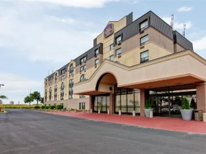 多倫多北約克貝斯特韋斯特酒店及套房(Best Western Plus Toronto North York Hotel & Suites)