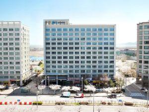 胡仁川機場酒店(Hotel Hu Incheon Airport)