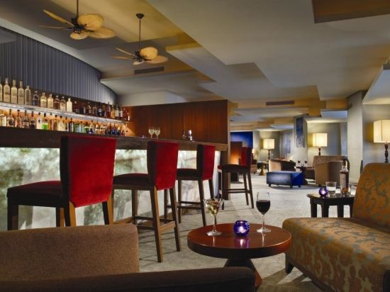 史丹福瑞士酒店(Swissotel the Stamford)酒吧