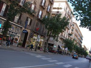 戴爾中央酒店(Hotel del Centro)