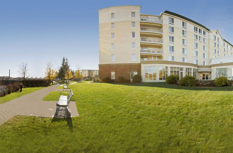 Hilton Garden Inn Auburn Riverwatch, Hotel reviews, Room rates and ...