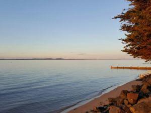 麥克拉迪島度假屋(McLardy Island Retreat)