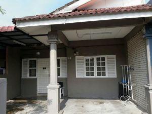 Cemarasari Guesthouse