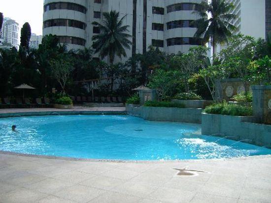 吉隆坡香格里拉大酒店(Shangri-La Hotel Kuala Lumpur)室外游泳池