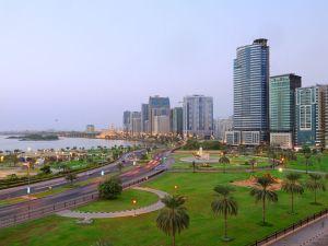 奧瑪扎茲普萊米爾酒店式公寓(Al Majaz Premiere Hotel Apartments)