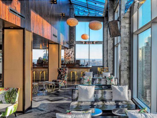 紐約時代廣場西希爾頓逸林酒店(Doubletree by Hilton New York Times Square West)酒吧