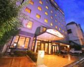克萊爾日傘酒店