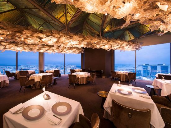 史丹福瑞士酒店(Swissotel the Stamford)餐廳