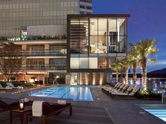 費爾蒙特環太平洋酒店(Fairmont Pacific Rim)費爾蒙特黃金套房