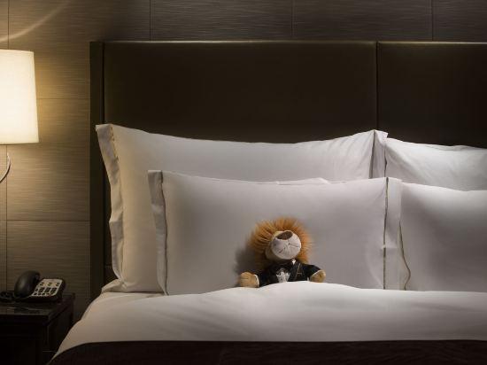 香港麗思卡爾頓酒店(The Ritz-Carlton Hong Kong)行政豪華維港海景客房