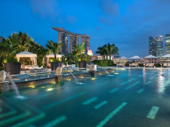 新加坡文華東方酒店(Mandarin Oriental, Singapore)室外游泳池