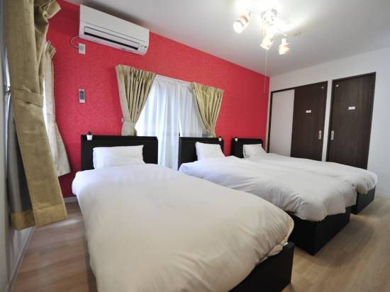Oneperson Charter Hotel  Tak