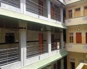 拉斯納馬哈爾居住酒店