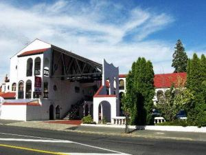 阿爾卡拉汽車旅館(Alcala Motor Lodge)