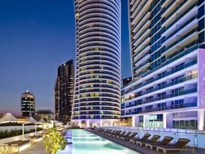 希爾頓沖浪者天堂公寓酒店(Hilton Surfers Paradise Residences)