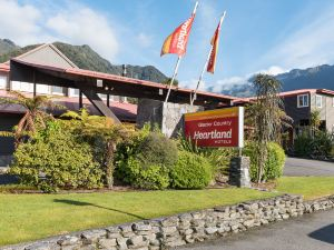 西岸冰河福克斯酒店(Heartland Hotel Glacier Country)