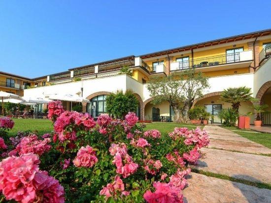 Padenghe sul Garda Lake Garda hotels - Reservations | Trip.com