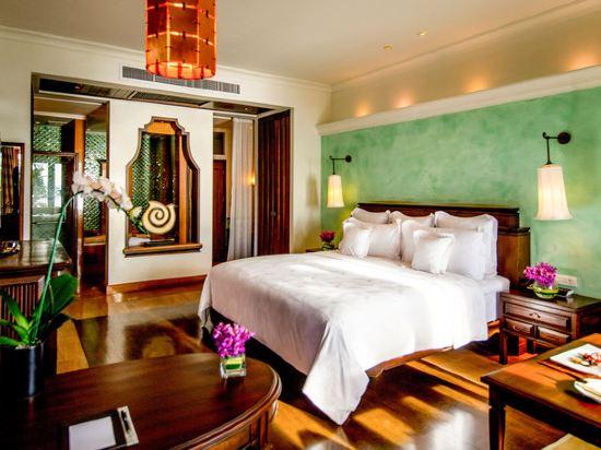 芭堤雅洲際度假酒店(InterContinental Pattaya Resort)海景豪華房