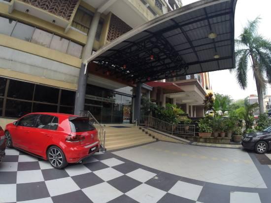吉隆坡亞當森酒店