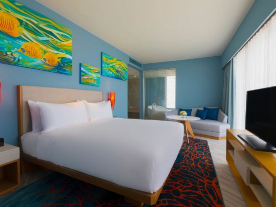 華欣瓦納納瓦假日酒店&度假村(Holiday Inn Resort Vana Nava Hua Hin)特大床套房
