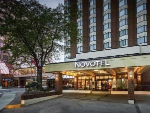 多倫多密西沙加中心諾富特酒店(Novotel Toronto Mississauga Centre)