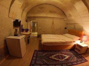 獵鷹洞穴套房酒店(Falcon Cave Suites)