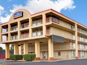 納什維爾市中心速8酒店(Super 8 Nashville Downtown)