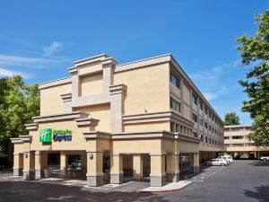 薩克拉門托會議中心智選假日酒店(Holiday Inn Express Sacramento Convention Center)